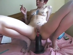 camgirl play with a big sextoy