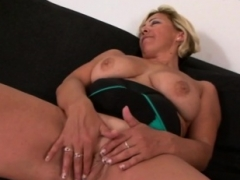 60 y.o. gilf receives a hard having an intercourse