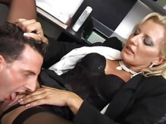 Gorgeous floozy fucked at her office