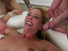 Blonde princess satisfies her wishes with help of dudes