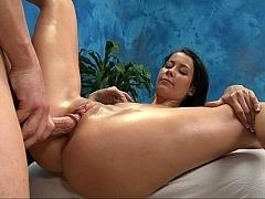 Flexible brunette spreads legs wide open for ramrod
