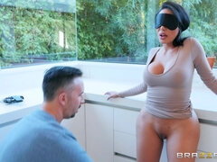 Whorish wife Lela Star gets her pussy fucked balls deep