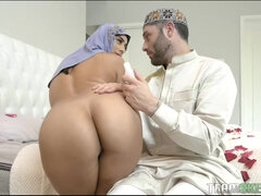 Violet Myers is a promiscuous, Muslim stunner, who luvs to get boinked all day lengthy