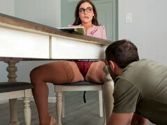 Dick-riding stepmother Natasha Nice is enjoying intensive dick-sucking