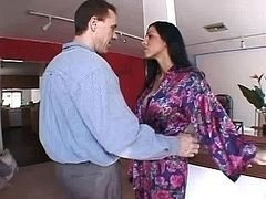 Brunette housewife gets fucked in the bum