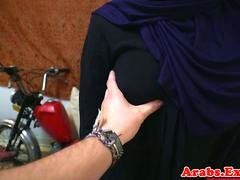 Arab chick throathed and fucked balls deep