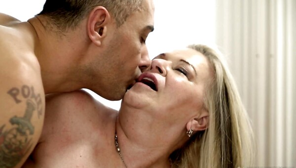 Betsy B moans and enjoys stallion's cock thrusting in old muff