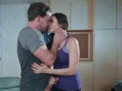 Brazzers - Mommy Got Tits - Ariella Ferrera Kyle Mason - Driving Mommy Crazy