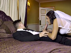 carolina abril & leigh darby-milf teaches newlyweds