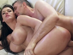 Sultry pornstar fucked while she screams in pleasure
