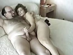 furry aged muff makes love a huge phallus