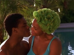 Vivica A. Fox, Halle Berry - ''Why Do Fools Fall in Love''