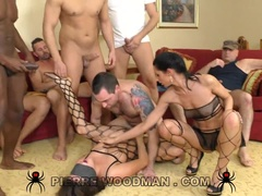 Nikki Waine - XXXX - Gang Bang with 9 guys
